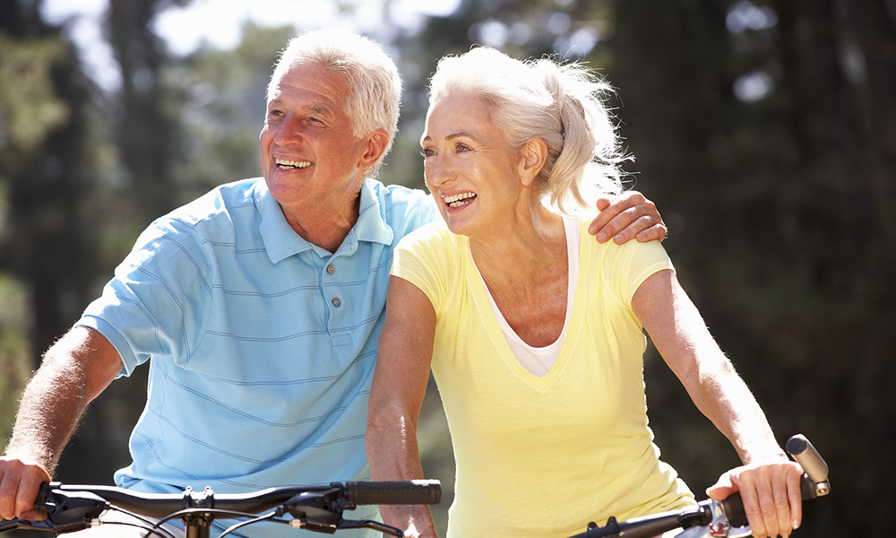 Retired couple cycling as a new years resolution
